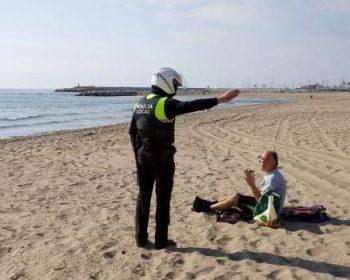 polizia spiaggia covid